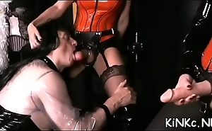 Naive latex queen spreads legs to invite erected stud-horse