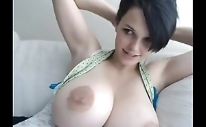 Busty Girl With Big Boobs Masturbates FREEGIRLCAM.TK