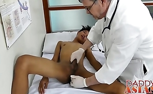 Doctor daddy tugs twink before shoving his rod deep inside